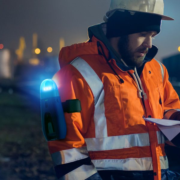 image of rail worker wearing Unibank with ambient light attachment